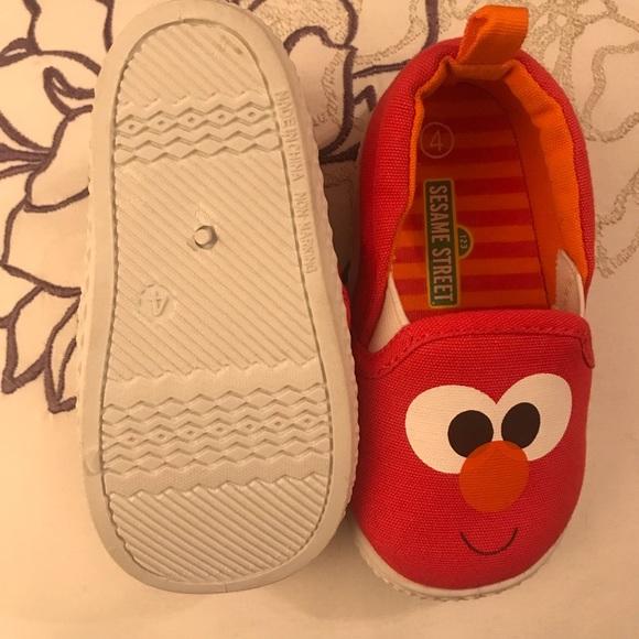 687d51b48d563 Elmo size 4 baby shoes